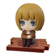 01-94104 Attack on Titan Suwarasetai Sitting Mini Figure Collection - Armin Arlert